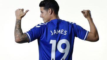 El futbolista colombiano James Rodríguez, demostró seguir siendo un futbolista de primer nivel al debutar con su nuevo equipo Everton en Inglaterra. Aficionados y periodistas destacaron la calidad del deportista.
