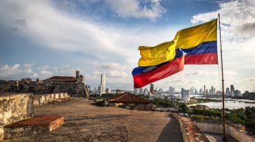 Colombia es grande especialmente con en el aspecto humano.  Gustavo Castro Caycedo Tienen razón quienes aseguran que: «Lo mejor de Colombia es su gente». Colombia ha compensado los embates […]