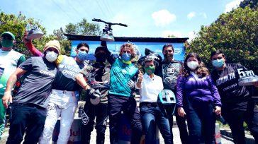 Los ganadores del certamen downhill Monserrate Cerro Abajo, acompañados por la alcaldesa de Bogotá Claudia López.    Loron Adrien de Francia que ganó el certamen downhill Monserrate Cerro […]