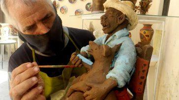 El artesano artista camagüeyano Nelson Luís Tornés Verdugo recurre una y otra vez en sus obras de cerámicas a la figura del Guajiro.   En ocasión del 24 de […]