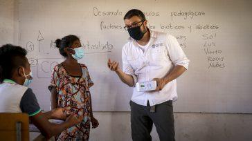Medición de las aulas de clase en una comunidad de niños y niñas Wayuu.    La implementación de medidores deCO2(Dióxido de Carbono) en transporte masivo, colegios, almacenes de […]