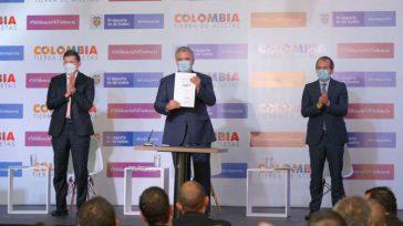 El presidente Iván Duque, el ministro de Justicia Wilson Ruiz y el ministro del deporte, Ernesto Lucena.  Con hechos que dan cuenta de los avances en materia de lucha […]