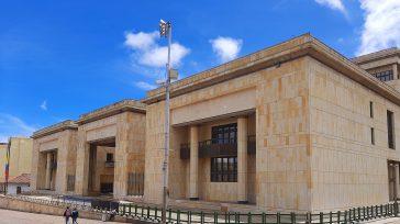 Funcionarios del poder judicial recibirán prima especial.  El Ministro de Justicia y del Derecho, Wilson Ruiz Orejuela, anunció que el gobierno nacional tiene listo el decreto que establece una […]