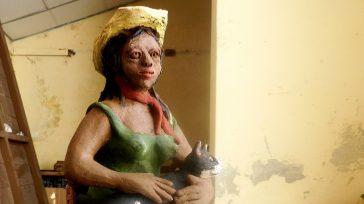 El artista artesano, con movido dinámico recrea a la joven fémina rural   Texto y fotos Lázaro David Najarro Pujol Camagüey, Cuba. En la joven campesina de estos tiempos, […]