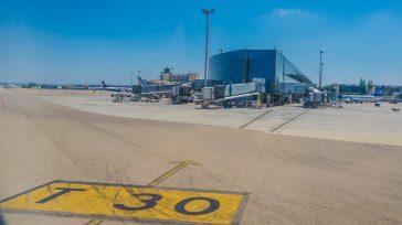 Aeropuerto Barajas en Madrid     Claudio Ochoa El turismo español se abre esta semana en medio de importantes incógnitas, armado –eso sí– de nuevas iniciativas a un […]
