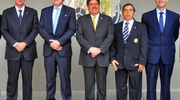 Jorge Perdomo, exDimayor; Ramón Jesurún, cabeza de la FCF; Luis Bedoya, exFCF, (preso en Estados Unidos) y Álvaro González, de la Difútbol aparecen en el expediente de la SIC. […]