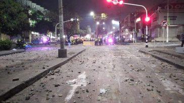 Mientras se jugaba partidos en el estadio de Barranquilla afuera cruzaban balas del Esmad contra quienes protestaban.     Esteban Jaramillo Osorio Que las balas tronaban en las […]