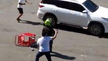 Civiles disparando contra los indígenas y la policía permitiendo el uso indiscriminado de armas de fuego.  Un congresista colombiano del Partido de la U, fue testigo de la agresión […]