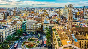 Valencia EspañaCiudad de las Artes y la Ciencias    Maneras de conocer Valencia Valencia es una ciudad en la que merece la pena pararse a conocer cada detalle […]
