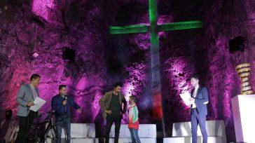 El campeón Egan Bernal un ejemplo para las nuevas generaciones.   La imponente Catedral de Sal, una de las 7 maravillas de Colombia, se vistió de rosa para rendir […]