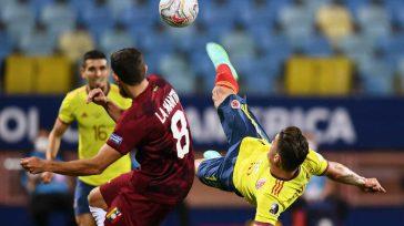 Una espectacular jugada de Uribe que fue bloqueada por Fariñez quien evitó el gol de Colombia.    MARCA La intensidad, el hambre y el ritmo brillaron por su […]