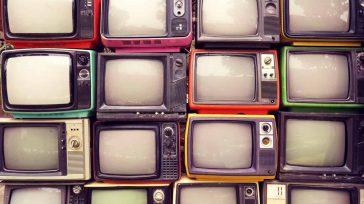 Los antiguos televisores   Manuel Tiberio Bermúdez Para quienes sumamos algunos años, a veces sentimos por algunos cachivaches que alegraron nuestra existencia y que la modernidad ha cambiado o […]