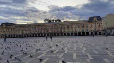 Plaza de Bolívar con el fondo de la alcaldía de Bogotá el centro histórico de Colombia.   El Centro Histórico de Bogotá ya cuenta con un Plan Especial de […]