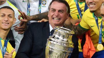 «Brasil aceptó esta porquería de Copa América en 10 minutos y las vacunas, en 9 meses», dijoLuis Roberto, uno de los relatores de la cadena Sport TV.   Esteban […]