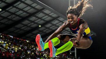 Confidencias: ALTA TENSIÓNCaterine Ibargüen, encabeza la delegación colombiana a los Juegos Olímpicosde Tokio 2021  MILLONARIOS RECURSOS PARA COVID FUERON DESVIADOS El Gobierno destinó40,5 billones de pesos a enfrentar la […]