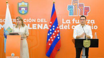 La alcaldesa de Santa Marta Virna Lizi Johnson Salcedo y el Gobernador del Magdalena Carlos Eduardo Caicedo.   Javier Sánchez «Al que no quiere un caldo se le sirven […]