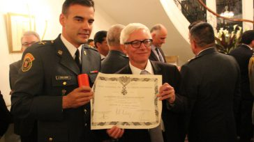 Coronel José Luis Esparza  Varias versiones circulan al interior de las Fuerza Armadas por haber llamado a calificar servicios al oficial que dirigió la operación de rescate deIngrid Betancourt, […]