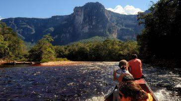 ElKerepakupai VenáoSalto Ángel(Kerepakupai Vená en pemón, que significa «salto del lugar más profundo»)es la cascadade agua más alta del mundo, con una altura de 979 m (807 m de caída […]